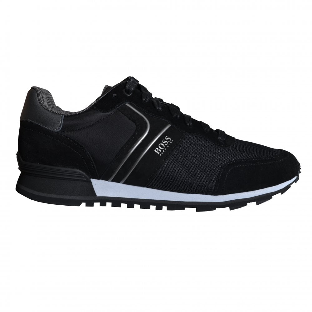 black athleisure parkour runn trainers