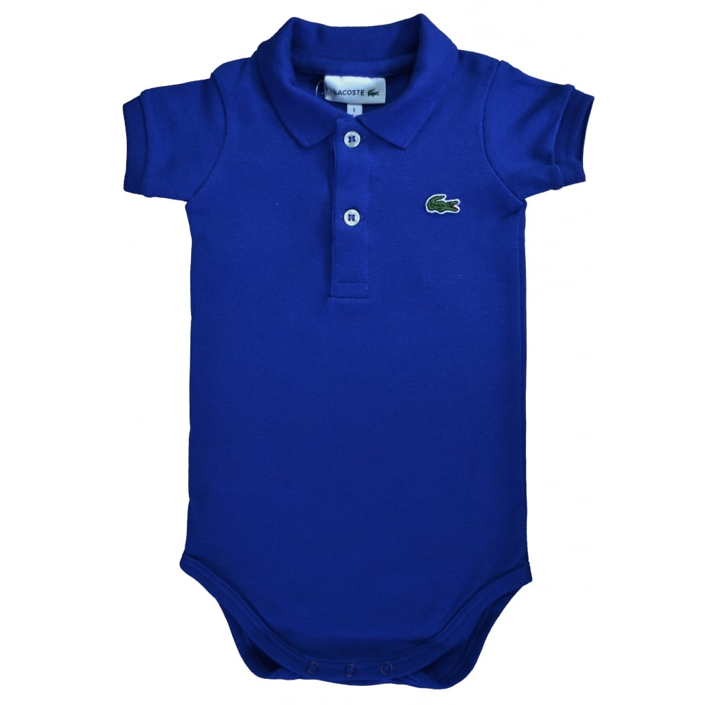 Product Features Keep that clean look in the specialisedsteels.tk 1 from Lacoste Kids.